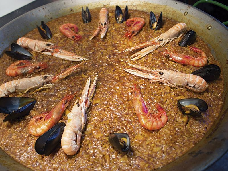 Arroces de pescados y mariscos en el Restaurante el Racó