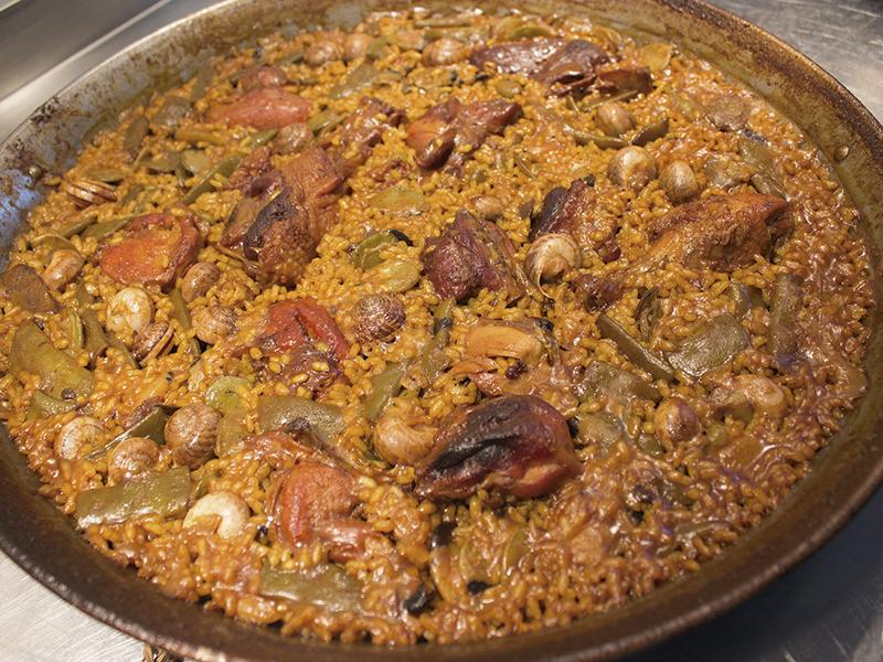 Paella valenciana en el Racó de Meliana